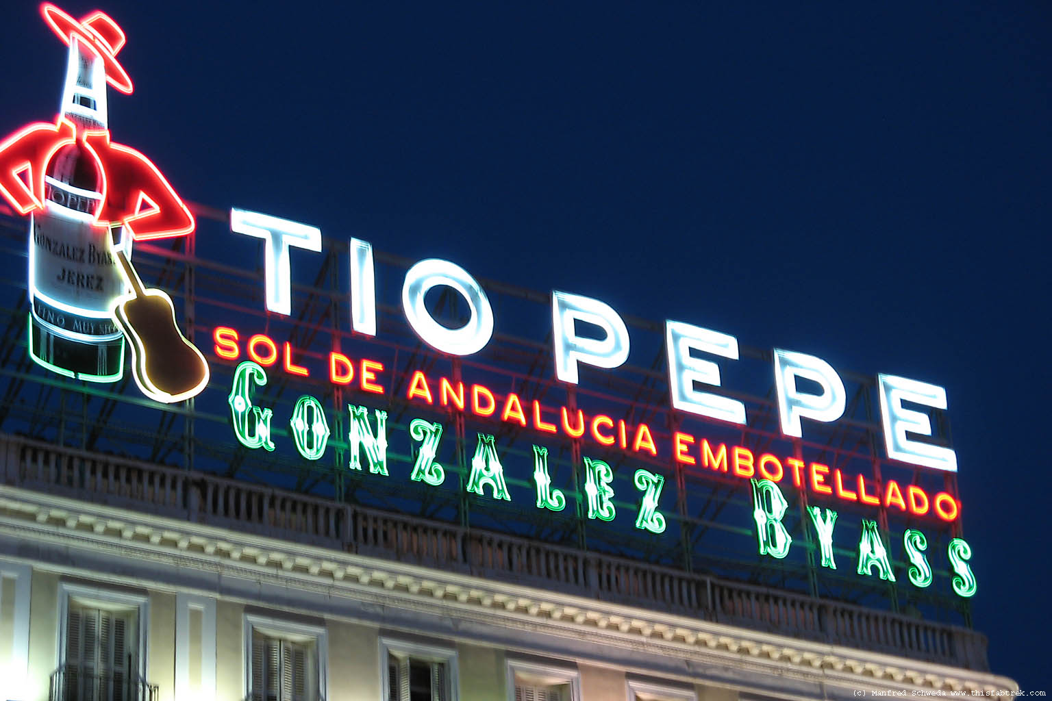 Graffiti r tulos luminosos que han hecho historia for Tio pepe madrid puerta del sol