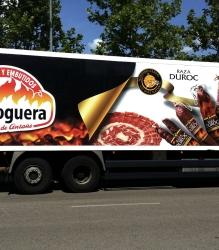 Rotulación de camión de Embutidos la Hoguera