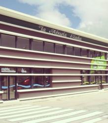 Decoración de fachada de la cafetería Eladia