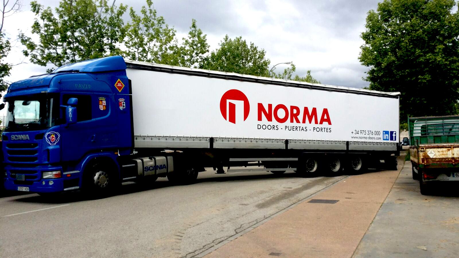 Rotulación de camión para Norma Doors